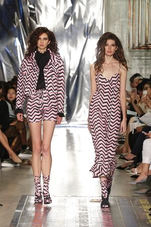 v fashion 2