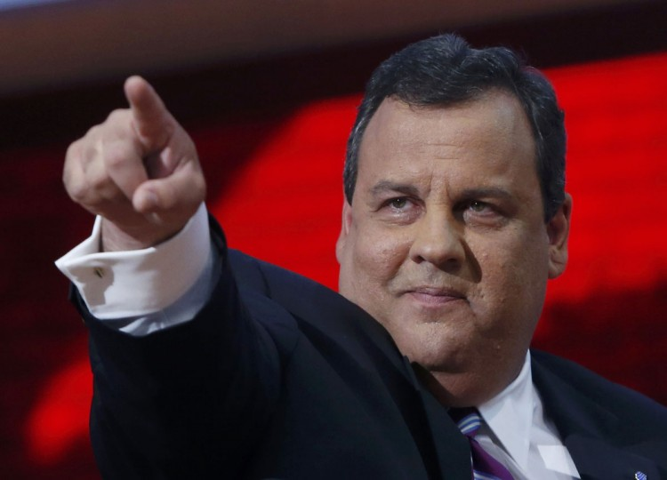 chris_christie_pointing